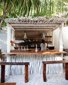 The Hartwood Bar at The Selby, a beach hotel in Tulum, Mexico Bares Tiki, Outdoor Spaces, Outdoor Living, Outdoor Kitchens, Outdoor Cooking, Outdoor Entertaining, Juice Bar Design, Tiki Bars, Beach Shack