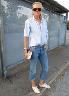 Classic jeans, shirt, sneakers.
