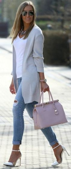 Cute and stylish outfit for a day of meetings or a brunch date. I love layering white and this outfit makes it look so easy. Fashion Mode, 50 Fashion, Look Fashion, Trendy Fashion, Spring Fashion, Autumn Fashion, Womens Fashion, Fashion Heels, Fashion Tips