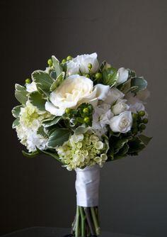 #bouquet #weddingflowers #JPParkerFlowers #FlowerPower www.jpparkerco.com
