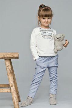 spodnie Espoo Klasyczne, odrobinę eleganckie spodnie z naszytymi kieszeniami.