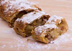 Zdravý štrúdl Healthy Deserts, Healthy Dessert Recipes, Healthy Baking, Raw Food Recipes, Sweet Recipes, Baking Recipes, Healthy Snacks, Czech Recipes, Good Food