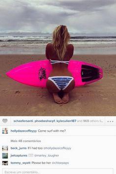 Surfista australiana posa sensual, convida marmanjos para surfe na web e os leva à loucura