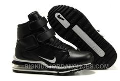 Jordan Shoes For Kids, Michael Jordan Shoes, Air Jordan Shoes, New Jordans Shoes, Nike Air Jordans, Kids Jordans, Discount Jordans, All Black Sneakers, Sneakers Nike