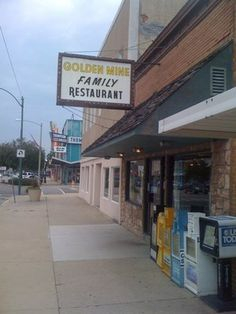 Spring Valley Illinois The Golfen Mine Try the buscuits and gravy!