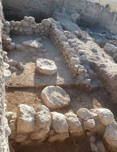 At a biblical border city outside of Jerusalem, archaeologists have uncovered a temple from the 11th century B.C. that they say bears evidence of conflict among the ancient Israelites, Canaanites and Philistines. Ancient | Fr Stephen Smuts