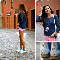 Stradivarius Sweatshirt, Zara Shorts, Neon Boots Boots