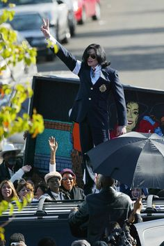 Michael Jackson The King of Pop I love this picture!! All support from his loving fans to prove his innocent Respect!