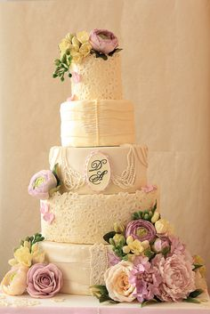Vintage lace and pearls wedding cake