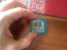 Om noen få år finnes det NFC-tags over alt. Her er info om hvordan man kan lese NFC-tags fra arduino. Dette kan f.eks. brukes til å slå av alarmanlegget ditt vha. NFC-tagen du har i lommeboken.