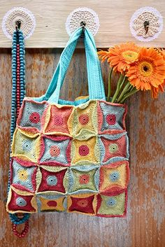 Bag Vrouekeur magazine 2018 Knitted Bags, Crochet Bags, Karen, Burlap, Reusable Tote Bags, Instagram, Magazines, Happy, Crochet Purses