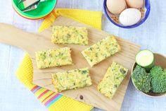 You guys asked for more baby weaning recipes and so I've obliged! These Courgette & Broccoli Frittata Fingers make brilliant finger food for weaning babies a. Toddler Lunches, Healthy Toddler Meals, Healthy Meals For Kids, Kids Meals, Toddler Food, Baby Led Weaning, Weaning Toddler, Baby Food Recipes, Cooking Recipes