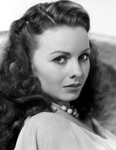 """Born Today, May in 1925 Jeanne Crain… """"Why is it that sooner or later no matter what we talk about…we wind up talking about Addie Ross?"""" - Jeanne Crain as Deborah Bishop in A Letter to Three Wives Over 50 film and television credits including A. Golden Age Of Hollywood, Vintage Hollywood, Hollywood Glamour, Hollywood Stars, Hollywood Actresses, Classic Hollywood, Female Actresses, Actors & Actresses, Classic Actresses"""