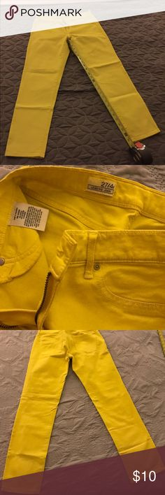 Gap cropped yellow denim in size 4 Gap Cropped yellow denim in size 4. Pre-loved condition. Worn a couple of times.. sold as is. Noticed a small stain on back leg shown on picture. Not noticeable when wearing. Super cute for the spring and summer time to add a pop of color with your outfit! GAP Jeans Ankle & Cropped