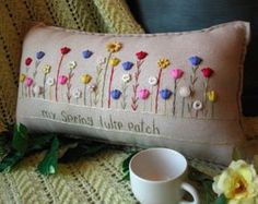My Old Fashioned Daisy Garden Pillow Cottage by PillowCottage