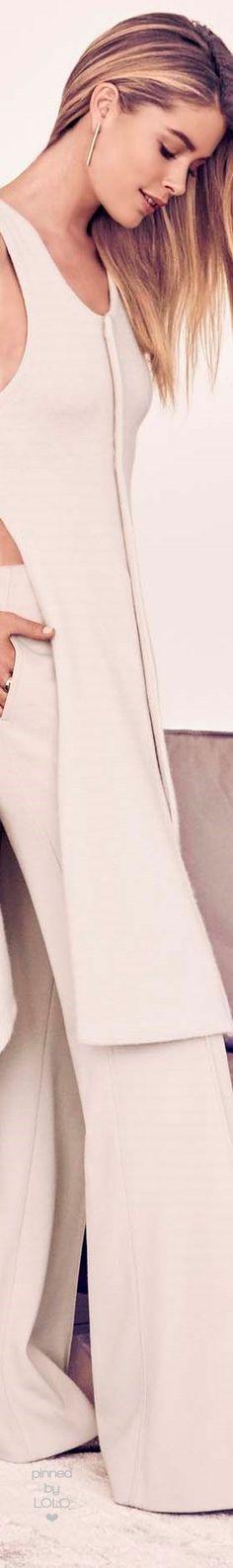 Doutzen Kroes Bloomberg Pursuits | LOLO❤︎ Fashion 2017, Women's Fashion Dresses, Fashion Models, Womens Fashion, Fashion Tips, Fashion Trends, Doutzen Kroes, White Fashion, Feminine Style