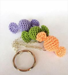 Little Candies Keychain By Mai Dire Amigurumi - Free Crochet Pattern (English… Crochet Food, Crochet Gifts, Cute Crochet, Crochet Keychain Pattern, Crochet Amigurumi Free Patterns, Crochet Stitches, Crochet Accessories, Crochet Flowers, Crochet Projects