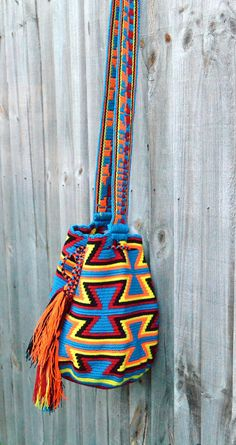 Authentic Colombian Wayuu Mochila bag traditional por peaceandluvsm