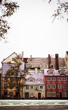 Old townhouses in Tallinn, Estonia. America has nothing cool.