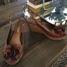 REPORT WEDGES Size 10 true to size Report Shoes Wedges