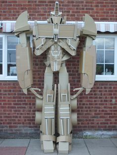 10-Foot Tall Optimus Prime Cardboard Robot! - News - GeekTyrant  @Hannah Rankin this will be your challenge when Finn is a little older.