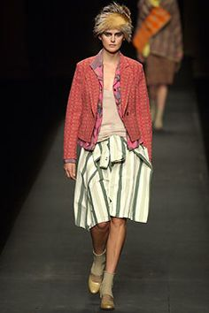 Dries Van Noten Fall 2003 Ready-to-Wear Fashion Show - Stella Tennant, Dries Van Noten