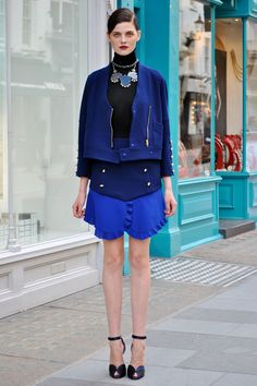More shades of blue add up to a stunning ensemble.