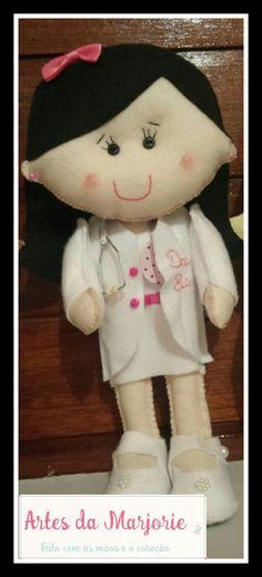Bonecas personalizadas para futuras médicas !!! #artesdamarjorie #feltro #bonecas