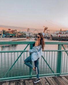 Mady D – girl photoshoot poses Model Poses Photography, Tumblr Photography, Photography Ideas, Newborn Photography, Street Photography, Learn Photography, Photography Exhibition, Popular Photography, Photography Basics