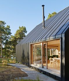 Tham & Videgård creates scenic retreat on Stockholm archipelago