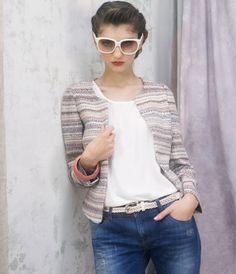 La veste couture  Veste tissée 53 euros, tee-shirt 32 euros, jean 42 euros, Suncoo
