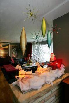Cute mid century Christmas display!