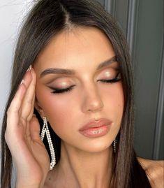 Glowy Makeup, Cute Makeup, Gorgeous Makeup, Natural Makeup, Makeup Eyes, Drugstore Makeup, Makeup Trends, Makeup Inspo, Makeup Inspiration