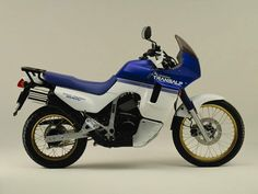 Honda Motors, Honda Bikes, Ducati Pantah, Enduro Motorcycle, Japanese Motorcycle, Rear Brakes, Bike Trails, Bugatti, Motorbikes