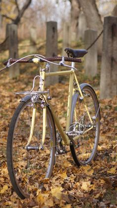 "Butter yellow city bike - Chapman Cycles (This picture just screams, ""New England."")"