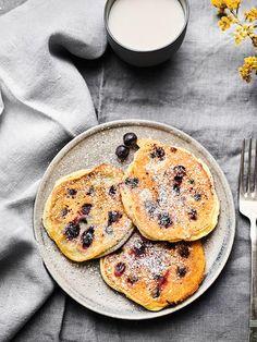 Buttermilch-Datschis mit Heidelbeeren Meal Prep, Fresh, Meals, Friends, Breakfast, Desserts, Quick Recipes, Morning Coffee, Amigos