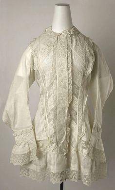 17-12-11  1888-1890 American cotton Peignoir