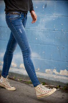 Usées avec un jeans ultra skinny