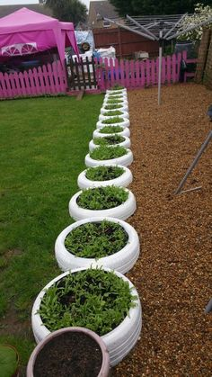 DIY Ideas With Old Tires - Tire Planter Edging - Rustic Farmhouse Decor Tutorial.DIY Ideas With Old Tires - Tire Planter Edging - Rustic Farmhouse Decor Tutorials and Projects Made With An Old Tire - Easy Vintage Shelving, Wall Art. Tire Garden, Garden Care, Garden Bed, Garden Plants, Vintage Shelving, Old Tires, Garden Edging, Garden Borders, Rustic Farmhouse Decor