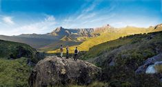 10 incredible hiking trails in South Africa Cool Places To Visit, Places To Travel, Travel English, The Beautiful South, Hiking Trails, Day Trip, Monument Valley, South Africa, Tourism