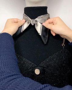 Ways To Tie Scarves, Ways To Wear A Scarf, How To Wear Scarves, Scarf Knots, Diy Scarf, Tie Knots, Scarf Wearing Styles, Scarf Styles, Diy Fashion Hacks