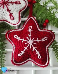 This Christmas Crochet Star pattern is a part of the Christmas Ornament Mini CAL (Crochet- A - Long). Each pattern in this CAL requires less than 30 yards. Crochet Christmas Wreath, Crochet Christmas Decorations, Crochet Ornaments, Holiday Crochet, Crochet Star Patterns, Crochet Stars, Christmas Crochet Patterns, Crochet Flowers, Diy Crochet