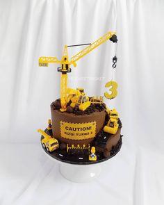 2nd Birthday Cake Boy, Toddler Birthday Cakes, Digger Birthday Cake, Third Birthday, Birthday Ideas, Construction Party Cakes, Construction Birthday Parties, Engineering Cake, Digger Cake