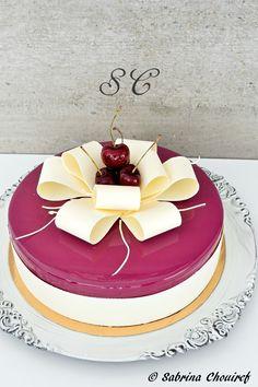 ideas for cake desing mini sweets Fruit Birthday Cake, Fruit Wedding Cake, Fancy Desserts, Fancy Cakes, Coconut Flour Cakes, Patisserie Fine, Gourmet Recipes, Dessert Recipes, Fruit Cake Design