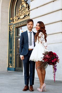30 Stunning Photos That will Make You Want a Courthouse Wedding Civil Wedding Dresses, Colored Wedding Dresses, Bridal Dresses, Dress Wedding, Chic Wedding, Trendy Wedding, Wedding Simple, Wedding Reception, Wedding Venues