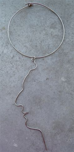 """veronica guiduzzi, collana """"portarsi addosso"""" (ribadire il concetto, rafforzare l'immagine), filo alpacca, 2005"""