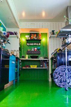 #green #paint #flooring #floor Flooring, Green, Painting, Creative Ideas, Painting Art, Wood Flooring, Paintings, Painted Canvas, Drawings