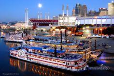 Steamboats in Cincinnati