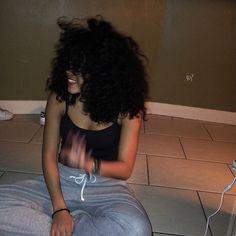 Black Curly Hair, Curly Girl, Wavy Hair, Natural Curls, Texturizer On Natural Hair, Curly Hair Styles, Natural Hair Styles, Hair Places, Pelo Afro
