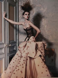 spinningbirdkick:  Patrick Demarchelier / Dior Couture 2011.